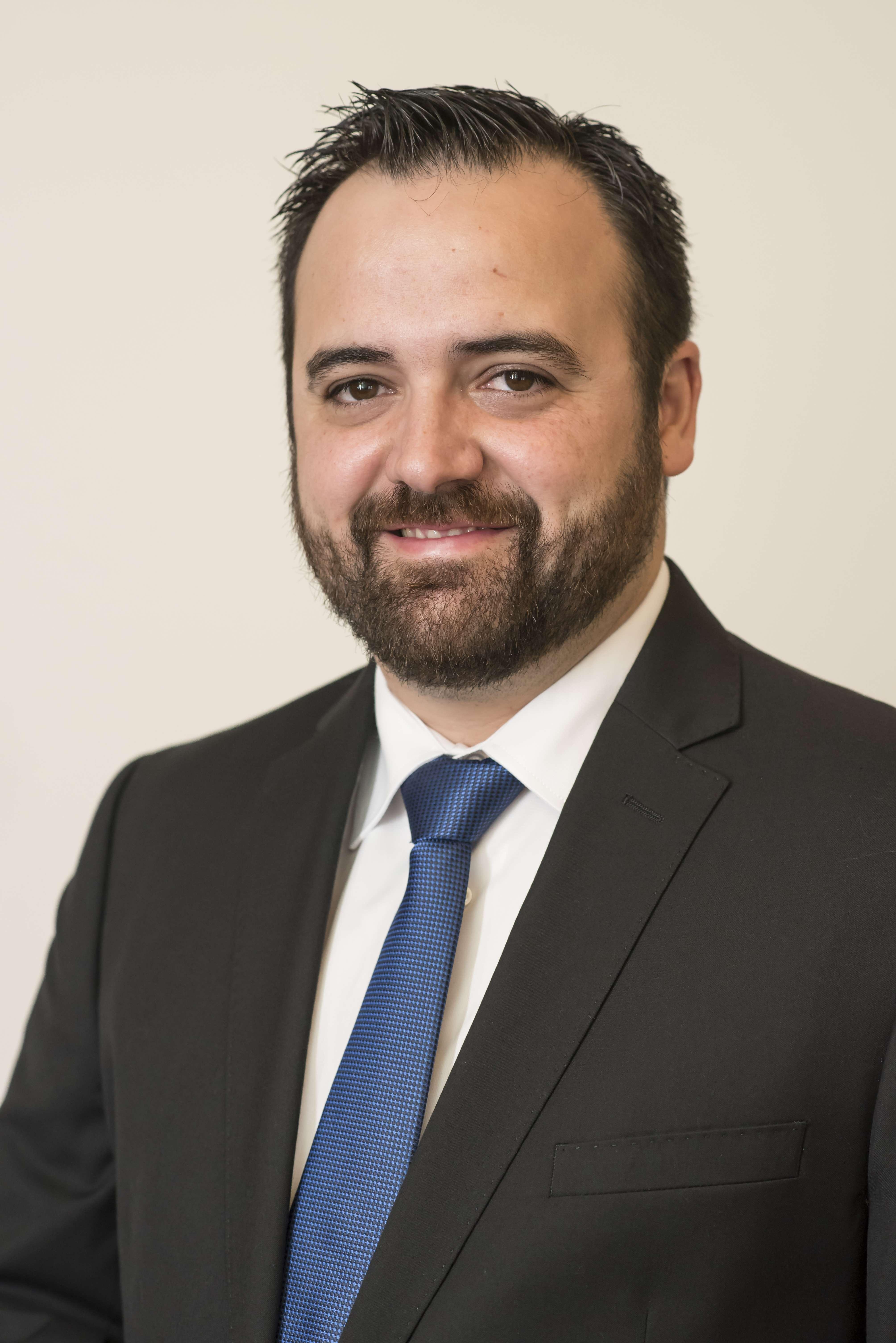 Dr Hugo Carrito